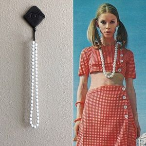 '70s / White Bead Necklace